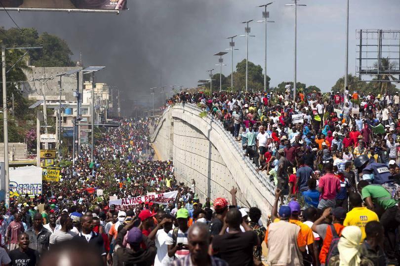 Foto de manifestação gigantesca no Haiti na Greve Geral de 2019